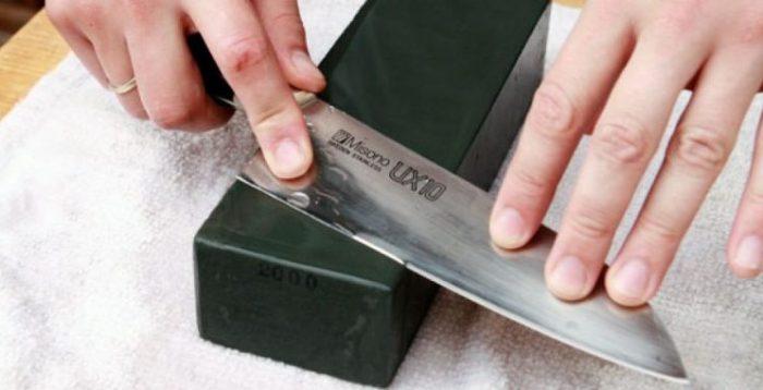 sushi-knife-sharpening-1-1024x683-1-765x380
